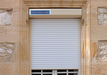 Photo d'un volet Mono Autonome de Bubendorff vu de l'extérieur